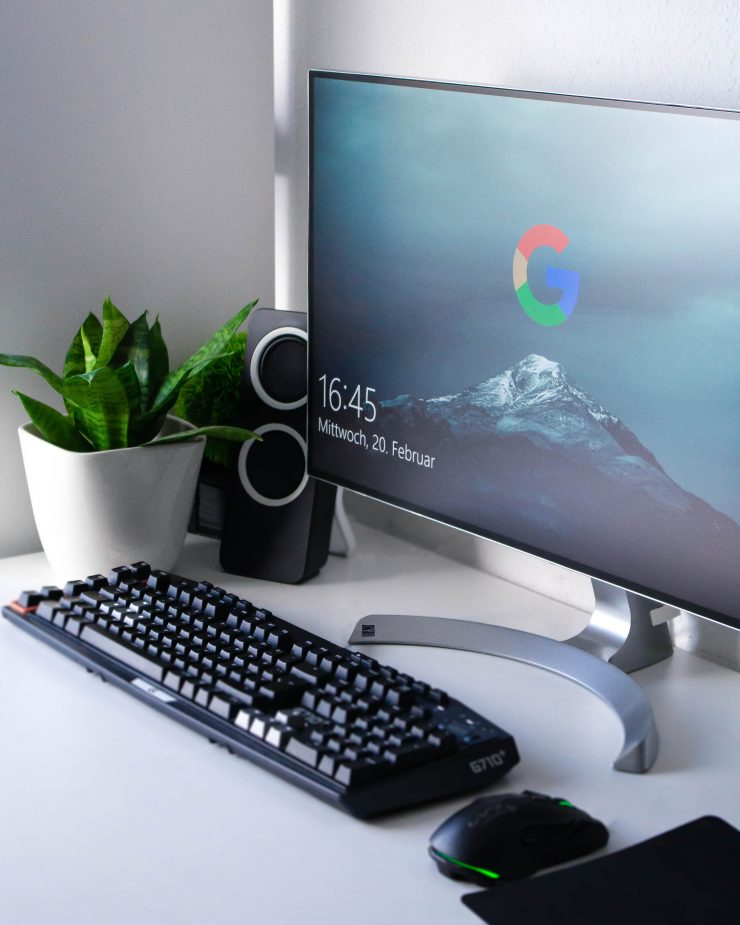 A desktop which has the Google icon